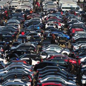 Japan's Domestic Auto Sales Up