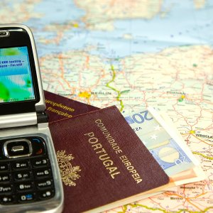 EU Mobile Roaming Charges to Fall