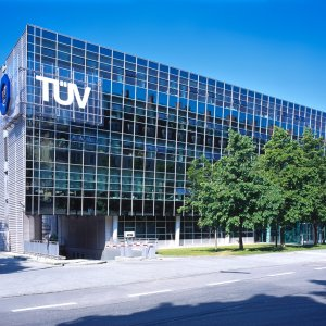 TUV to Help Boost Iranian Car Quality