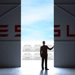 "Tesla ""Gigafactory"" to Open in July"