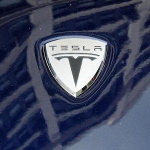 Tesla Motors Discloses $1.1b in Q3 Cash Needs