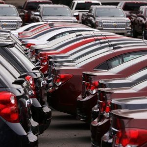 US Auto Sales Slow in June