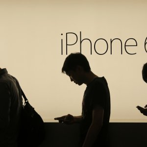 China Rules Against iPhones on Copyright Lawsuit