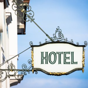 Single Women Can Rent Hotel Rooms