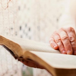 Reading Books Could Increase Lifespan