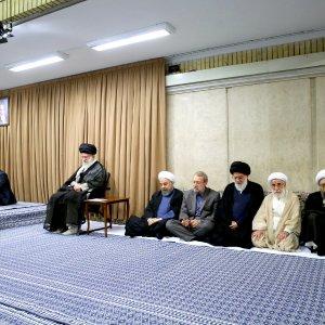 Leader Receives Top Officials