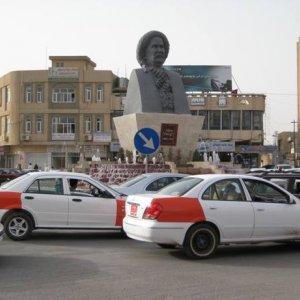 Striking Cabbies Disrupt Iran-Iraq Border Crossing