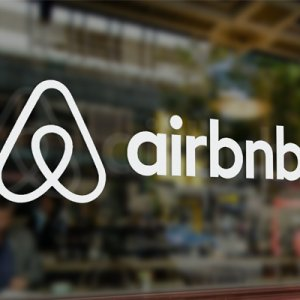 "French Tourism Industry Targets ""Illegal"" Airbnb Practices"