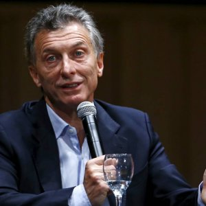 Macri Trying to Save Jobs