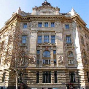 Hungary's  Debt Rises