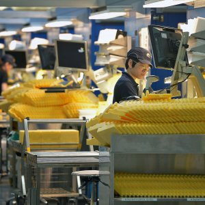 Singapore Factory Output Fastest  in 2 Years