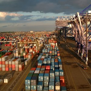 UK Investment, Trade Data Disappointing