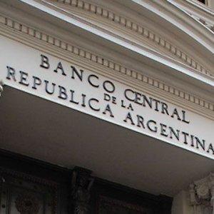 Argentina Cuts Key Interest Rate