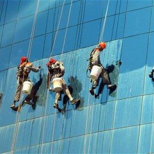 Saudi Gov't to Create Jobs, Clampdown on Salaries
