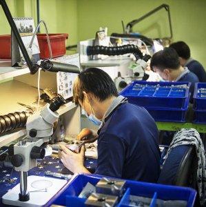 Singapore Factory Output Falls