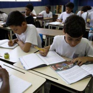 Venezuela Ends 2-Day Work Week