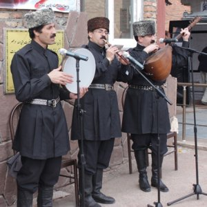 Ashiks performing in Tabriz, East Azarbaijan Province