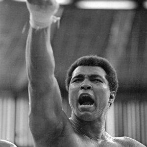 Muhammad Ali Boxing Legend Passes away