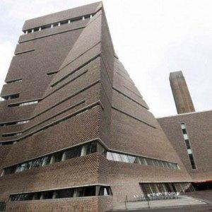 London's Tate Modern Gets Pyramidal Extension