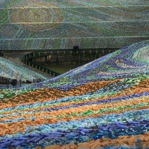 Van Gogh Recycled: 4 million Bottles Used in Taiwan Replica