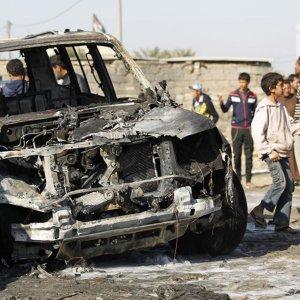 IS Car Bombs Kill 32 in Southern Iraq