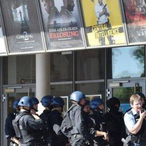 Hostage-Taker in German Cinema Shot Dead