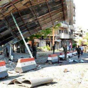 Deadly Blasts Hit Gov't-Held, Kurdish Parts in Syria