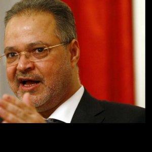 Ousted Yemen Gov't Plans Anti-Iran Complaint