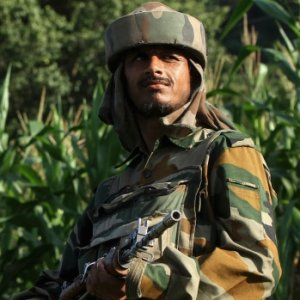 17 Indian Soldiers, 4 Militants Killed in Kashmir Attack