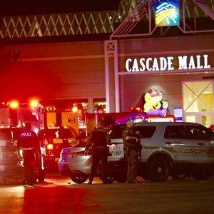 4 Dead in Washington Mall Shooting