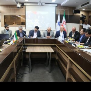 The joint meeting of the Money and Capital Markets Commission and the Industries Commission of Iran Chamber of Commerce, Industries, Mines and Agriculture was held on Sunday.