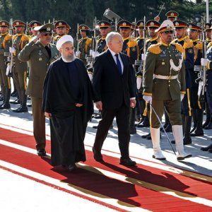 Swiss President Johann Schneider-Ammann (C-R) and Iranian counterpart Hassan Rouhani during a Swiss state visit to Iran in February. (File Photo)