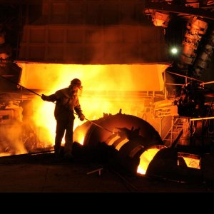 Steel mills around the world produced over 1.06 billion tons of the industrial material over the eight-month period to register a 0.9% fall year-on-year.