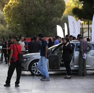 Vahdat Hall played host to the car manufacturer Renault Pars for the unveiling of its new Talisman model.