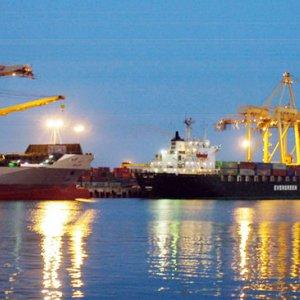 Iran`s non oil trade tops 15$ in  july