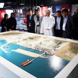 Qatar, Oman Becoming Iran's New Trade Gateways
