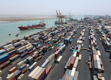 $8.7b in Iran's Non-Oil Trade Surplus With Persian Gulf Countries