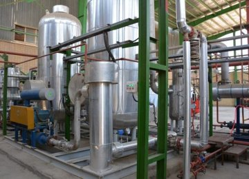 CO2 Recycling Plant Helps Curb Air  Pollution in Khuzestan Oil Province