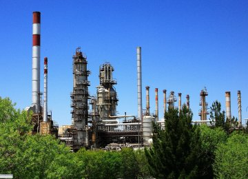 Isfahan Refinery Raises Output of Quality Diesel