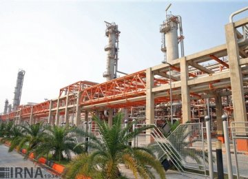 Petrochem Company in Ilam Completing Work on Olefin Unit