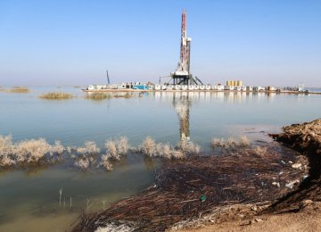 Iran-Iraq Joint Oilfields Spared From Floodwaters