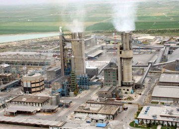 Petrochemical Exports Help Offset 20 Percent of Oil Loss