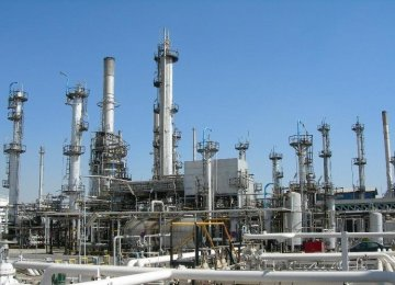Bandar Abbas Oil Refinery to Improve Quality of Products
