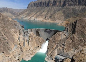 Water Level in Iranian Dams Decrease by 30 Percent YOY