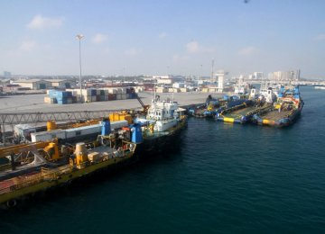 Non-Oil Exports From Kish  Jump 211%