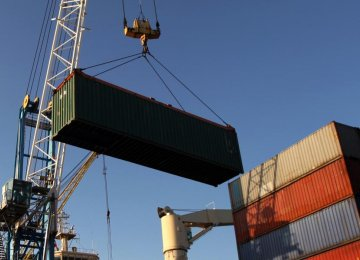 Iran's Non-Oil Foreign Trade Tops $58 Billion in Ten Months