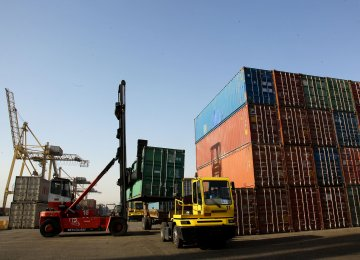 Iran's Non-Oil Foreign Trade Tops $19 Billion in Four Months