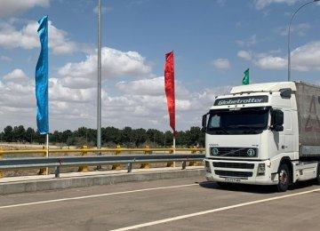 Turkmenistan Allows Iranian Trucks to Enter Border
