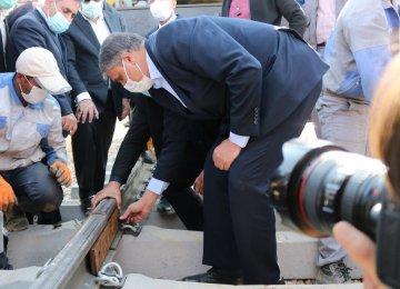 Mechanized Track Laying of Hamedan-Sanandaj Railroad Underway