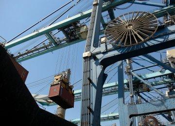 Iran Achieves Non-Oil Trade Surplus in 8th Fiscal Month